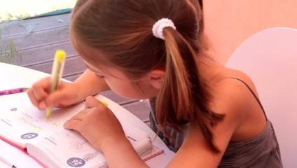 barrer les devoirs faits dans son agenda
