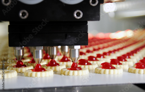 production cookie in factory - 24300633