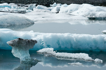 Icebergs in Icelands Jökulsarlon Bay
