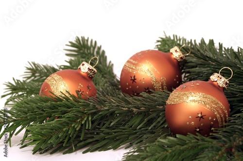 weihnachtsdeko mit tannenzweigen stockfotos und lizenzfreie bilder auf bild 24327298. Black Bedroom Furniture Sets. Home Design Ideas