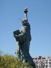 Paris-Statue-de-la-Liberté