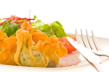 croustillants aux 5 légumes et salade fraîche de cresson