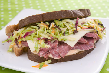 Reuben Sandwich With Coleslaw