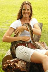 Animal handler an soutn american python