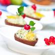 Minitörtchen mit Birnenmousse und Ananas