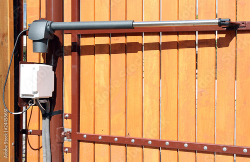 The device for automatic opening/closing a gate - 24458661