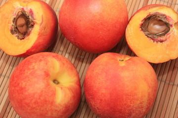 Fruit d'été - Brugnon