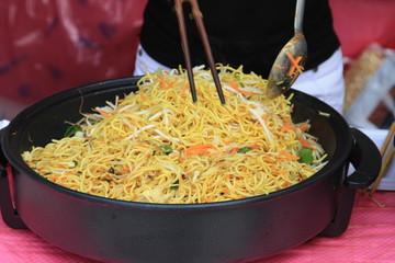 Asiatische Nudelpfanne - Asian fried noddles