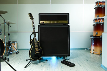 Guitar cabinet with amplifier