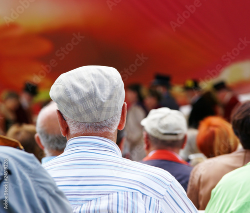 Leinwandbild Motiv Veranstaltung für Senioren - Event for Seniors