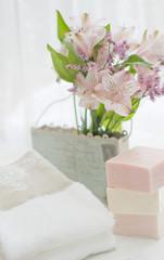 朝のピンクの石鹸