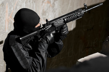 Soldier targeting with a M-4 gun