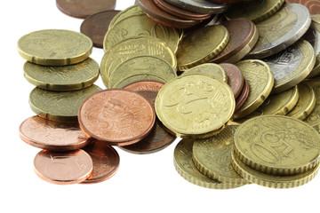 tas de pièces de monnaie, fond blanc