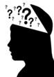 aufgeklappter Kopf: Fragezeichen