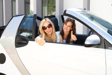 Mädels im Auto
