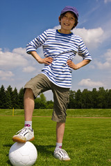 Junge mit Fussball, boy with football