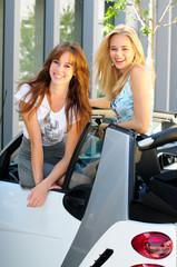 Teens im Cabrio