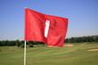 GOLF - Golfplatz mit wehender Fahne
