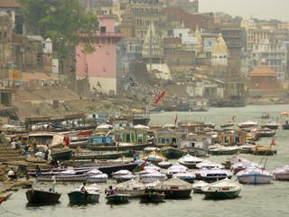 Varanasi - Boats for hire 2