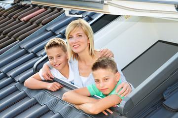 Dachfenster mit Jungs 240810