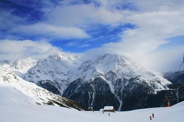 Peak in snowcap