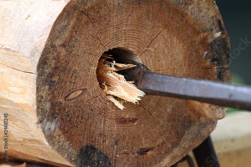 holzbrunnen stockfotos und lizenzfreie bilder auf bild 24681245. Black Bedroom Furniture Sets. Home Design Ideas