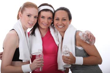 Jeunes femmes sportives