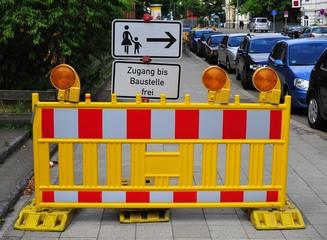 Baustelle, Absperrung - Zugang bis Baustelle frei