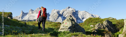 Leinwandbild Motiv Wandern in den Bergen