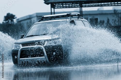 Fototapeten,sport utility vehicle,wasser,vehicle,offroad