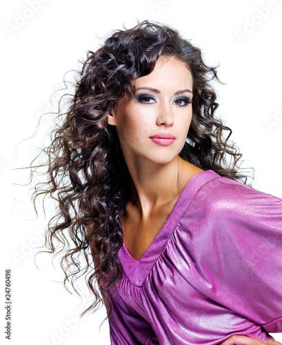 Волнистые волосы у девушки фото