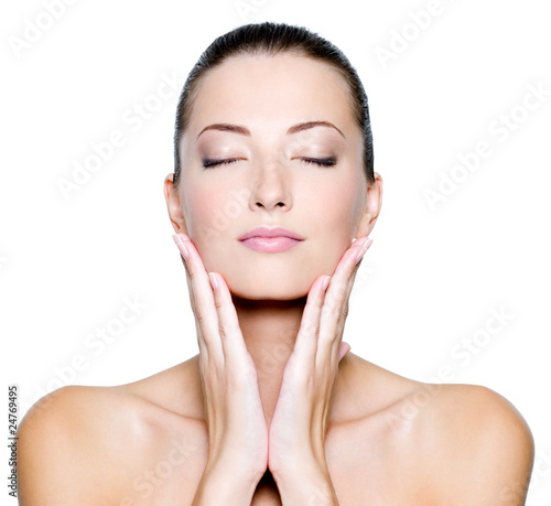 Face with closed eyes of a beautiful woman - 24769495