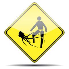Señal peligro picadura medusa