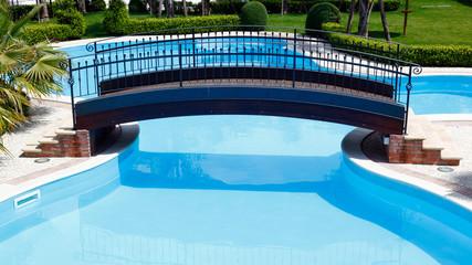Ponte su piscina
