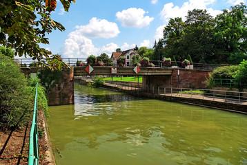 Canal du  Rhône au Rhin a Mulhouse.