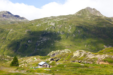 the simplon pas zwitserland in the summer