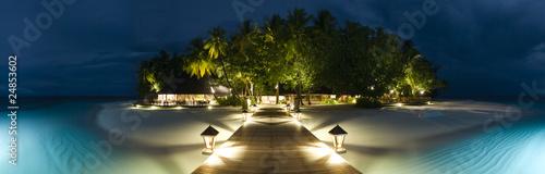 Leinwanddruck Bild Ihuru Island panoramic view by night