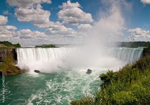 Small boat below Niagara Falls - 24855077