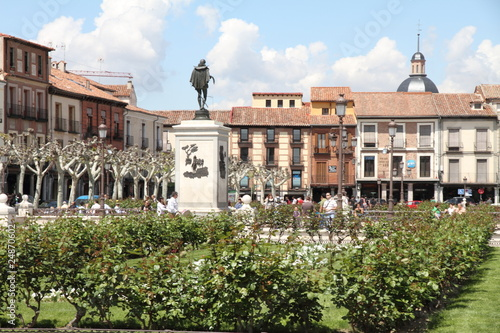 Foto Spatwand Madrid Cervantes square in Alcala de Henares Madrid province Spain