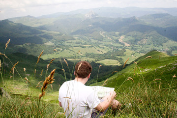 Lecture de la carte de randonnée, Cantal