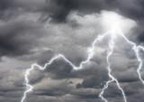 orage éclair foudre nuage tempête orageux climat sombre tonnerre poster