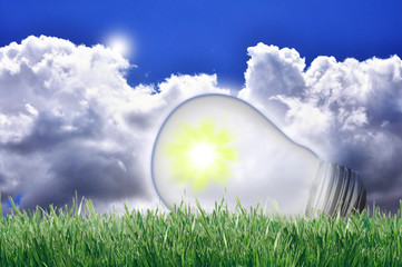 lampadina e cielo ecologia