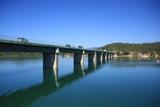 Fototapety pont sur le lac de Saint Cassien