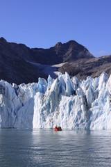 Boot vor Gletscher