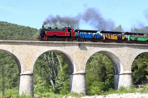 Leinwanddruck Bild petit train d'Anduze