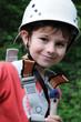 Mädchen mit Kletterausrüstung