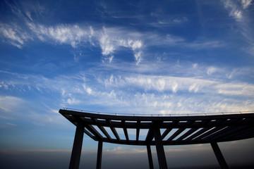 蓝天白云架子