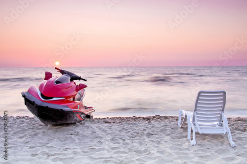 Relax on the beach. - 25050071