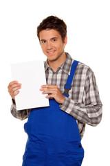 Handwerker, Klemptner, Bauarbeiter mit leerem Poster