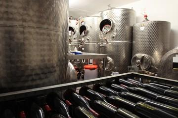 Edelstahl Tank zur Weinveredelung, Stahltank